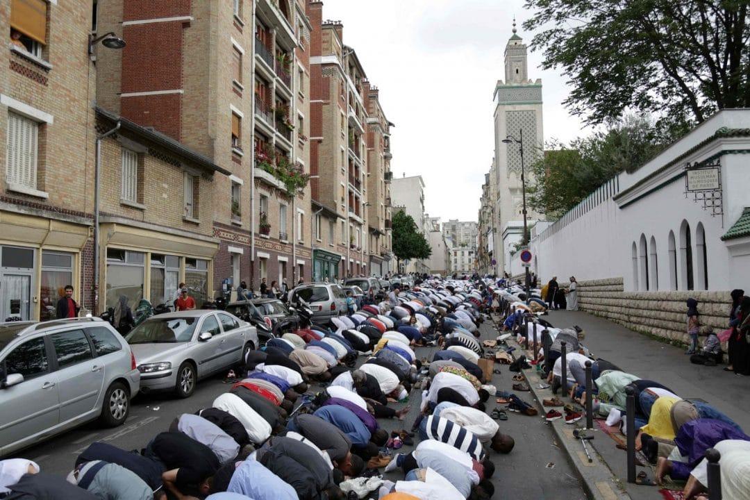 muslims in paris celebrating eid around the world