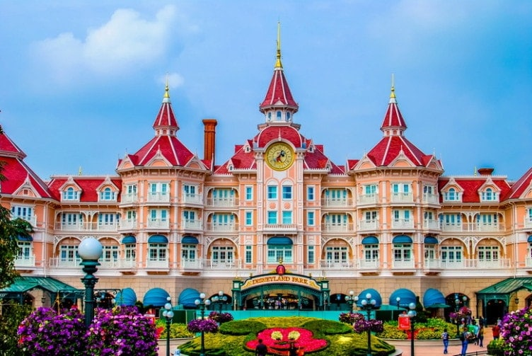 muslim friendly destinations for summers - disneyland paris france