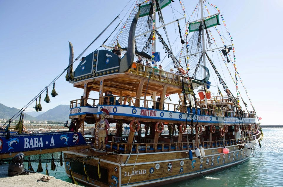 muslim friendly destinations for summers - pirate boat tour alanya turkey