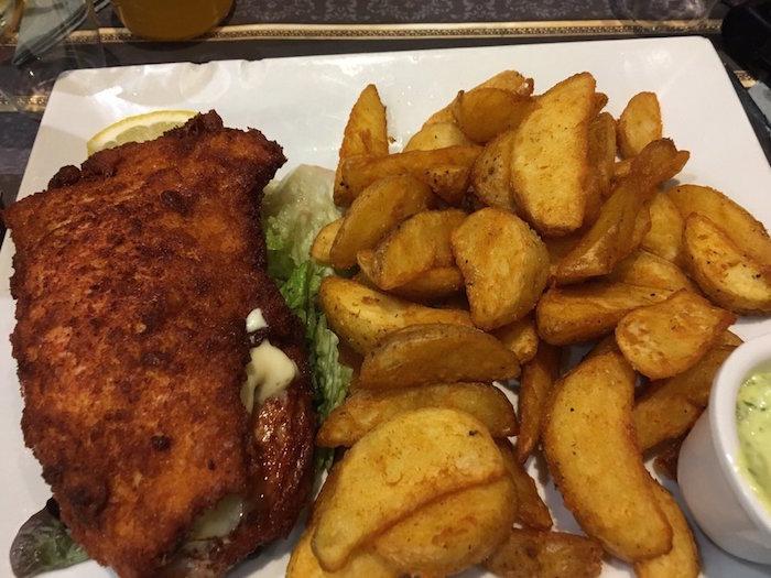 halal food cordon bleu au poulet braise paris