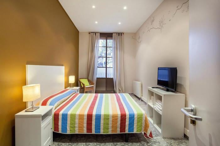 hostal paraiso barcelona spain