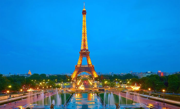 Muslim friendly attractions in paris - eiffel tower
