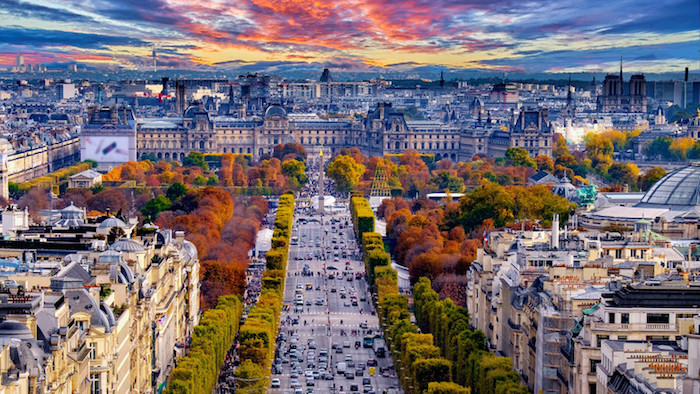 Paris travel guide for muslim travellers - champs de elysees