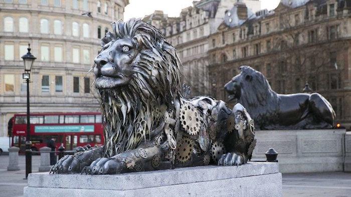 Lion statues at Trafalgar Square