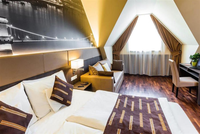 Muslim friendly hotels in Budapest - 12 Revay Hotel